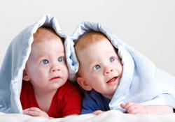 L'accouchement par césarienne obligatoire pour des triplés ou plus