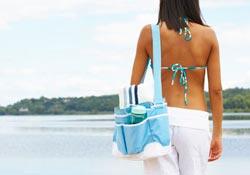 La panoplie idéale de la femme enceinte à la plage