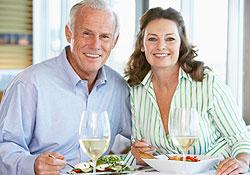 Manger équilibré à 50 ans : connaissez-vous les bons réflexes ?