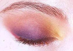 Un test de couleur gratuit pour illuminer votre regard