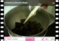 Vidéo : la recette de la mousse au chocolat allégée