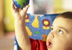 éveil des sens de bébé, développement de bébé, éveil de bébé